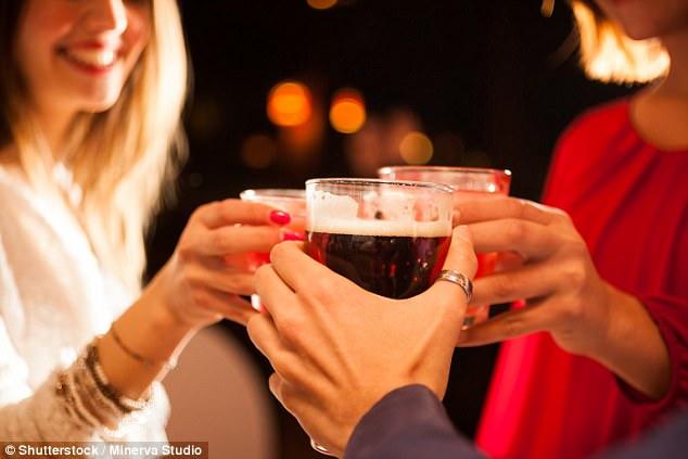 Beber alcohol seguidamente mata células del cerebro