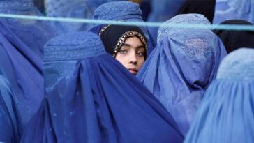 Algunas de las restricciones impuestas por los talibanes a las mujeres de Afganistán